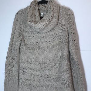 Banana Republic medium tan knit cowl sweater